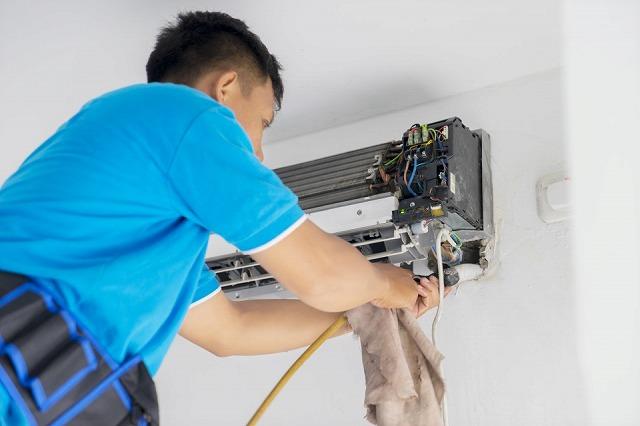 業務内容 家庭用エアコン(ルームエアコン)の洗浄(クリーニング)
