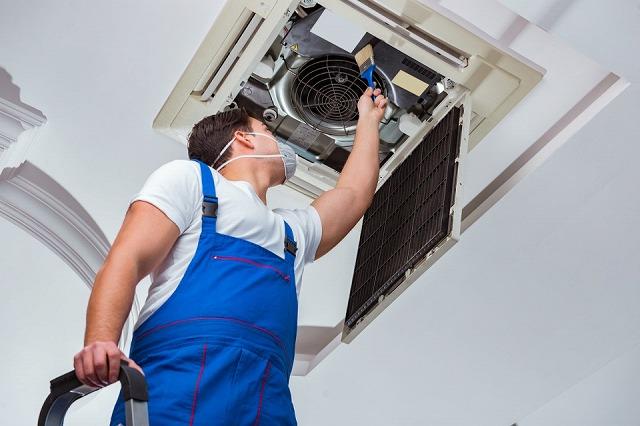 業務内容 業務用エアコンの洗浄(クリーニング)